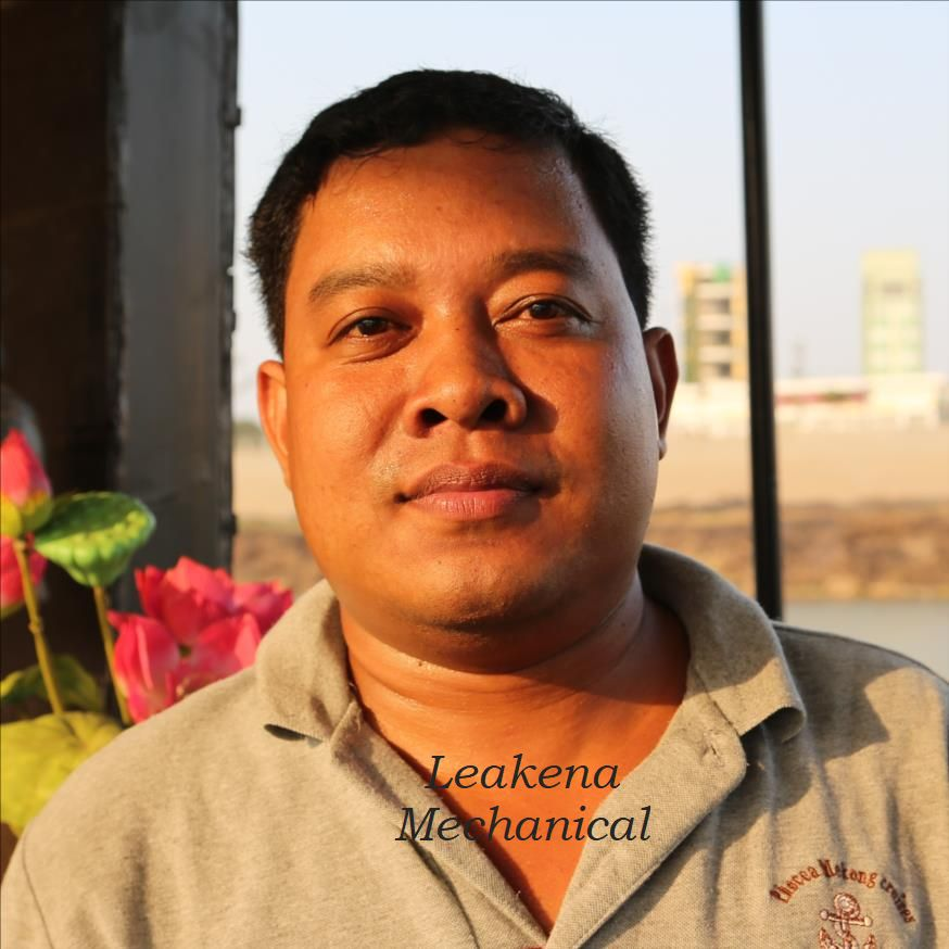 Crew members - Cambodian cruises