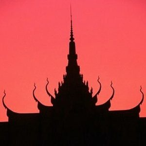 Coucher de soleil sur le palais Royal - Croisière sunset cocktail privé à Phnom Penh - Cambodian cruises